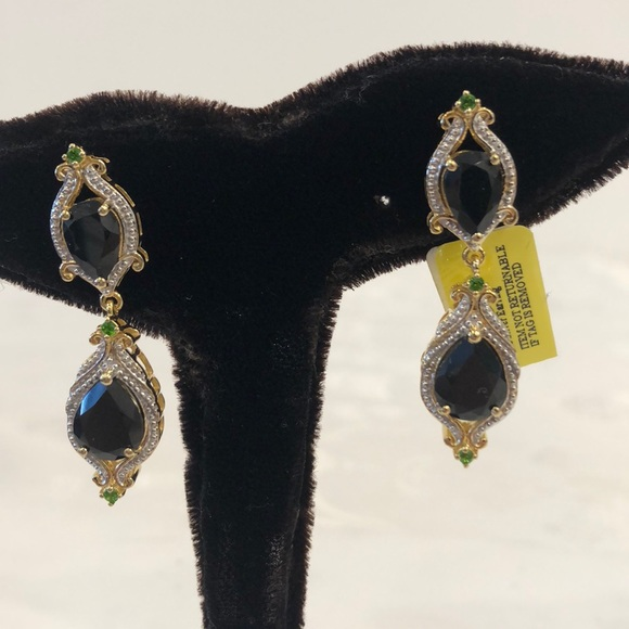 Jewelry - 🆕 California Black Jade Dangling Earrings
